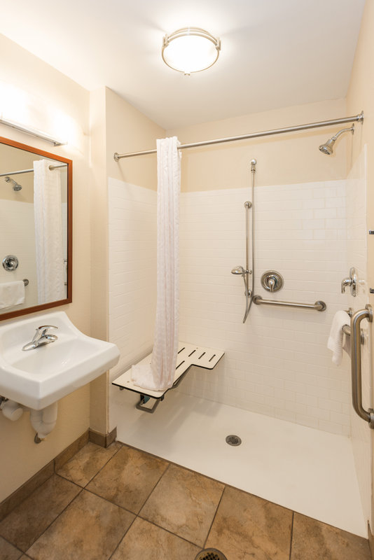 Candlewood Suites Mobile-Downtown-Roll In Shower<br/>Image from Leonardo