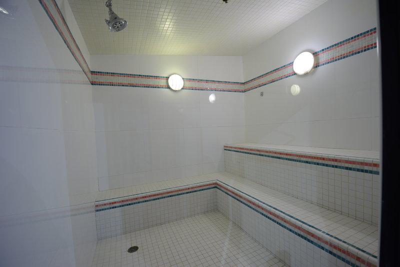 Crowne Plaza Stamford-Sauna<br/>Image from Leonardo