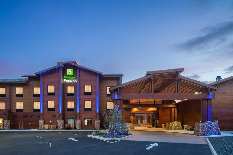 Holiday Inn Express Klamath - Redwood Ntl Park Area-Hotel Exterior<br/>Image from Leonardo