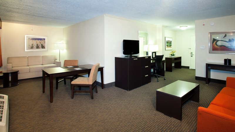 Holiday Inn Tulsa City Center-Suite<br/>Image from Leonardo
