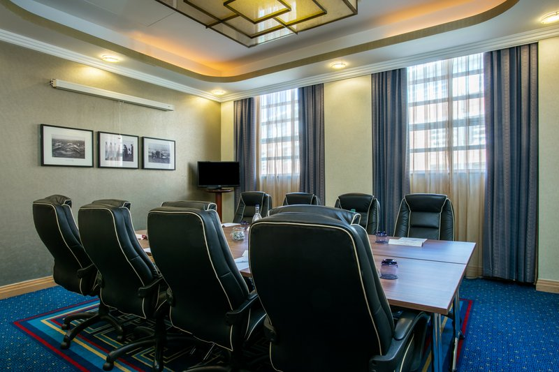 Crowne Plaza Liverpool John Lennon Airport-Douglas Room<br/>Image from Leonardo