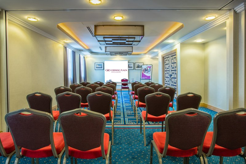 Crowne Plaza Liverpool John Lennon Airport-Avro Sopwith Room<br/>Image from Leonardo