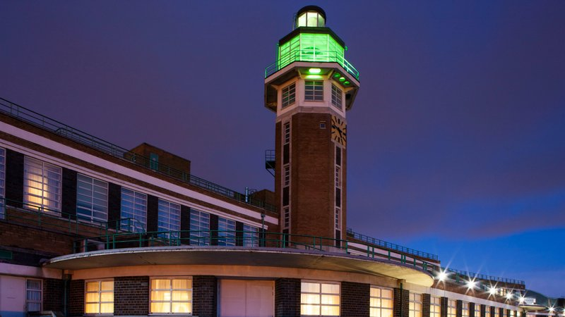 Crowne Plaza Liverpool John Lennon Airport-Control Tower<br/>Image from Leonardo