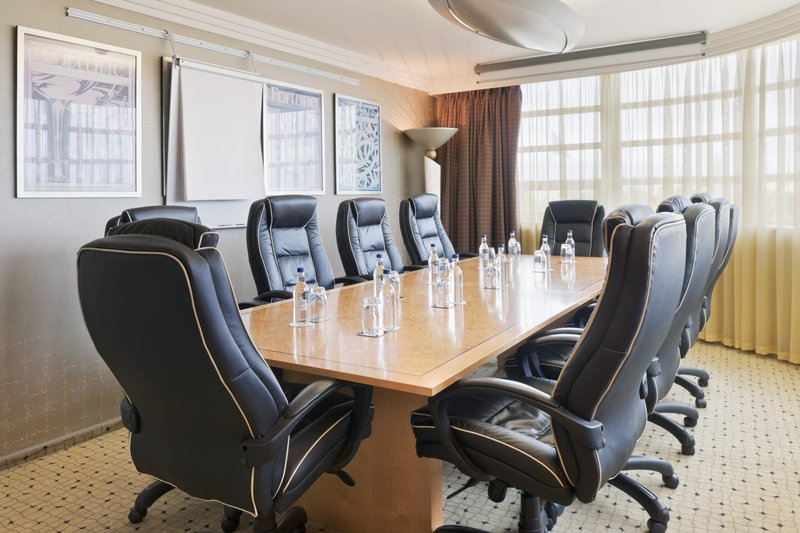 Crowne Plaza Liverpool John Lennon Airport-Boardroom<br/>Image from Leonardo