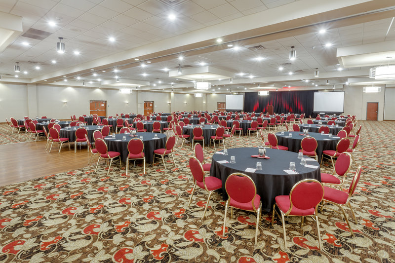 Crowne Plaza Milwaukee Airport-Ballroom - Crescents <br/>Image from Leonardo