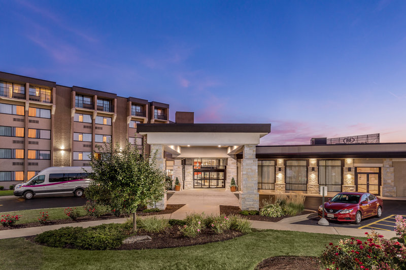 Crowne Plaza Milwaukee Airport-Hotel Exterior <br/>Image from Leonardo