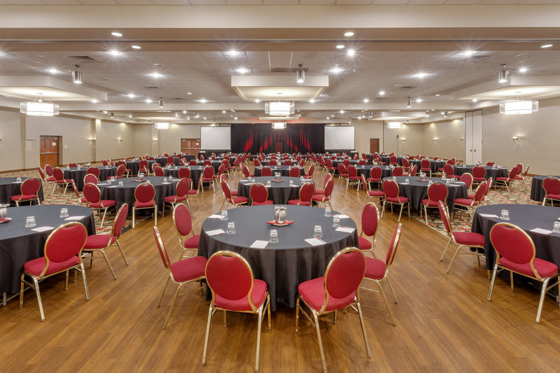 Crowne Plaza Milwaukee Airport-Crescents Ballroom <br/>Image from Leonardo