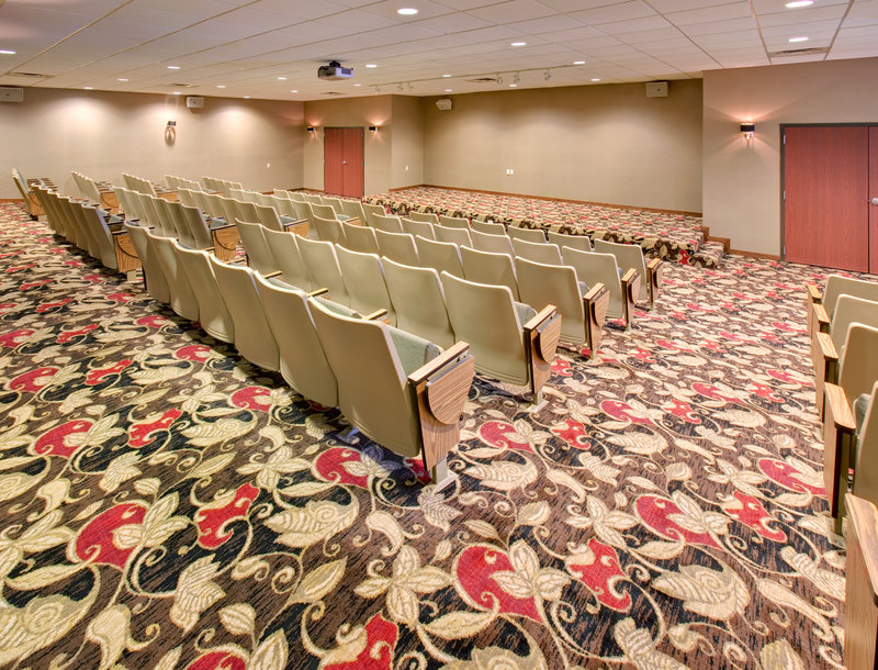 Crowne Plaza Milwaukee Airport-Aviation Theater, perfect for seminars or classroom-style meetings<br/>Image from Leonardo