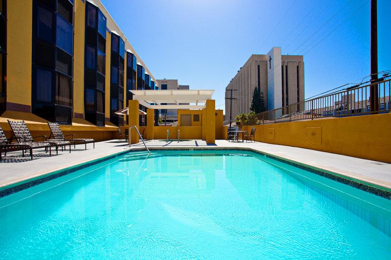 Holiday Inn Long Beach Downtown Area-Swimming Pool<br/>Image from Leonardo
