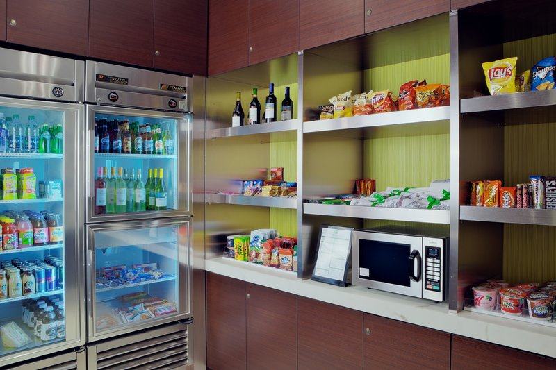 Holiday Inn Long Beach Downtown Area-Grab a quick snack at our 24-hour market.<br/>Image from Leonardo