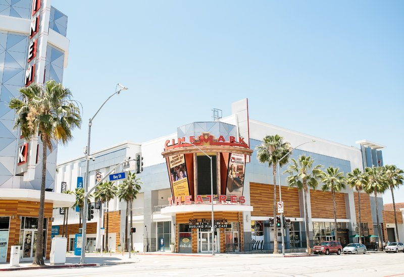 Holiday Inn Long Beach Downtown Area-Visit the nearby Cinemark theater<br/>Image from Leonardo