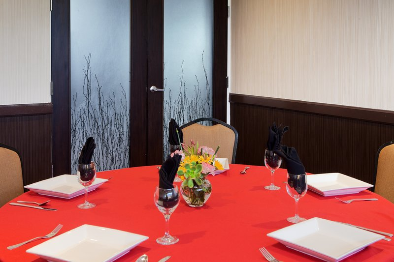 Holiday Inn Long Beach Downtown Area-Trust us to plan every detail of your next meeting or event.<br/>Image from Leonardo