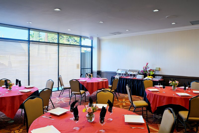 Holiday Inn Long Beach Downtown Area-Make your next banquet and event to remember<br/>Image from Leonardo