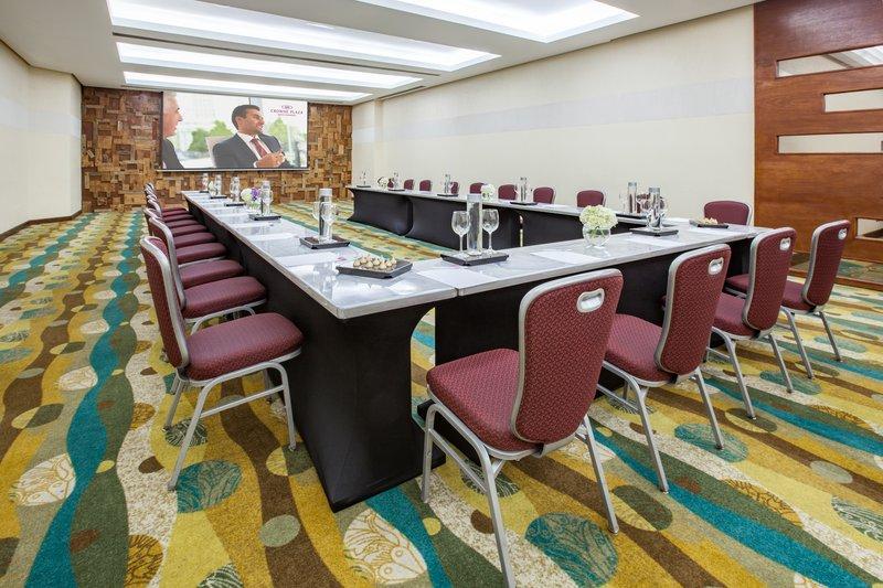 Crowne Plaza Santo Domingo-Meeting Room<br/>Image from Leonardo