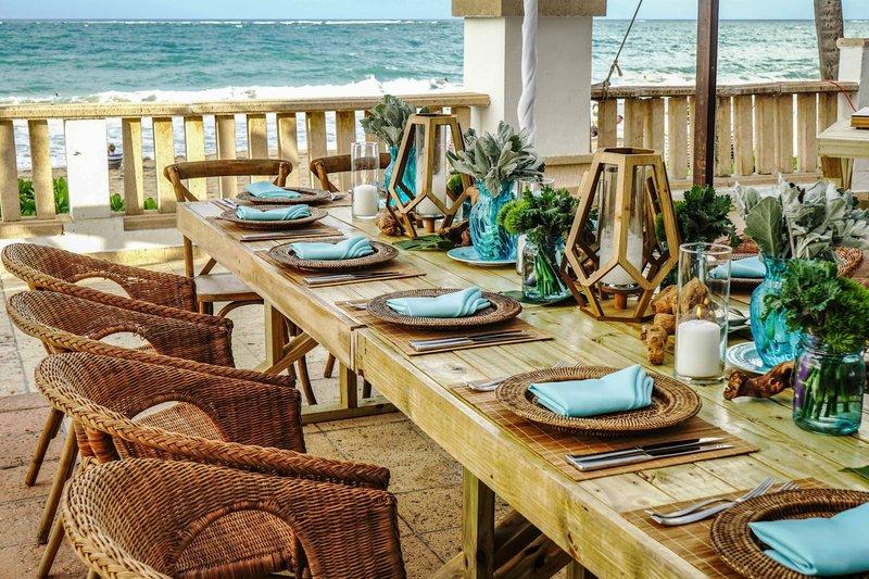Marriott San Juan Resort - Ocean Terrace -Table Setup <br/>Image from Leonardo