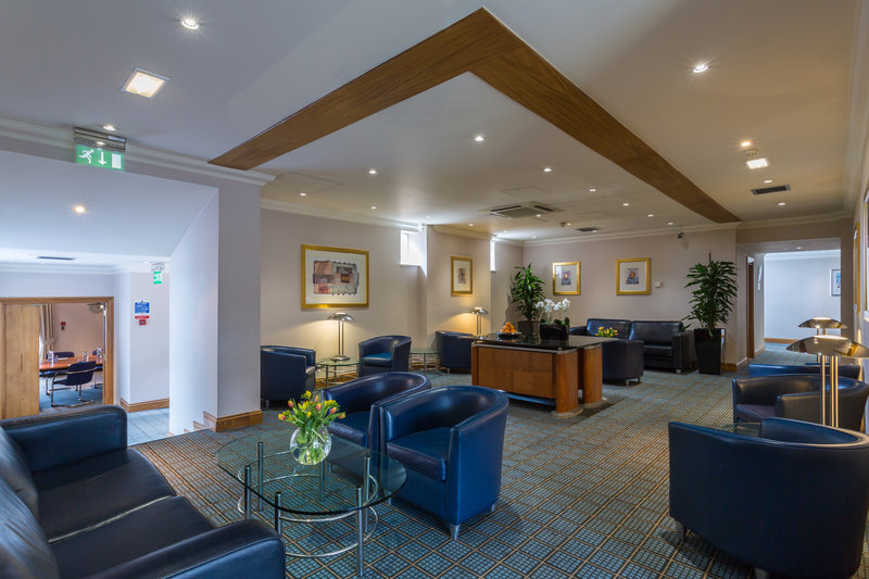 Holiday Inn Rugby-Northampton M1, Jct.18-Kick back in our comfortable Breakout Area<br/>Image from Leonardo