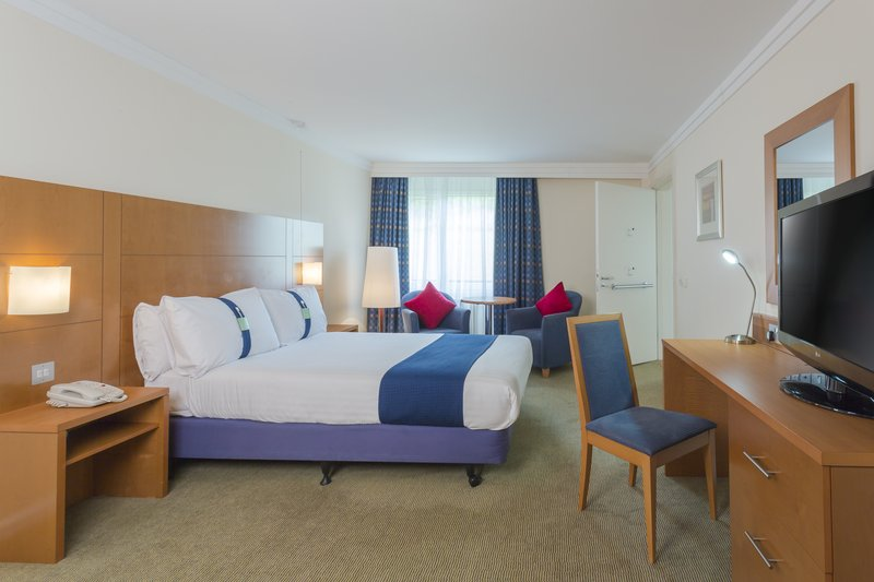 Holiday Inn Rugby-Northampton M1, Jct.18-Convenient One Double ADA/Wheelchair Accessible Nonsmoking Room<br/>Image from Leonardo