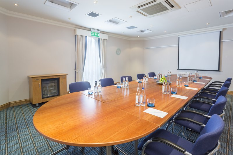 Holiday Inn Rugby-Northampton M1, Jct.18-Book our Boardroom for your business meeting<br/>Image from Leonardo