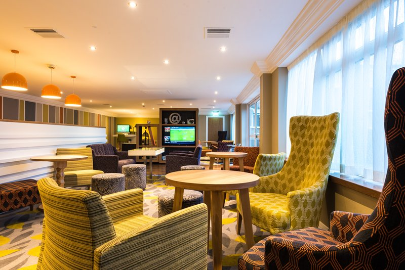 Holiday Inn Chester South Hotel-Bar and Lounge<br/>Image from Leonardo