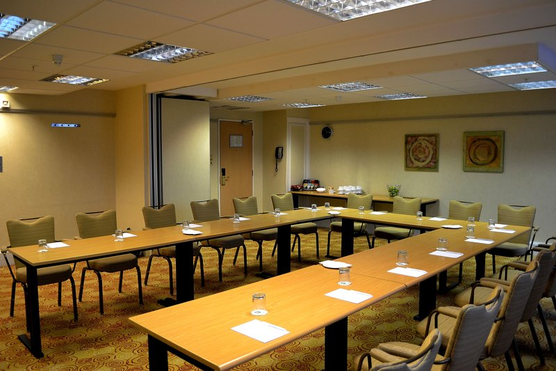 Holiday Inn Northampton-Oakham Suite,, another great room for the team to meet<br/>Image from Leonardo
