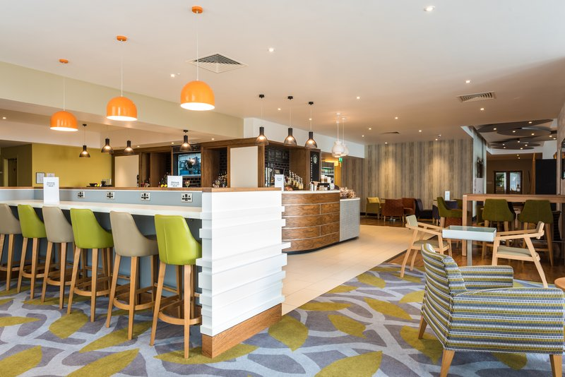 Holiday Inn Brighton - Seafront-Bar and Lounge<br/>Image from Leonardo