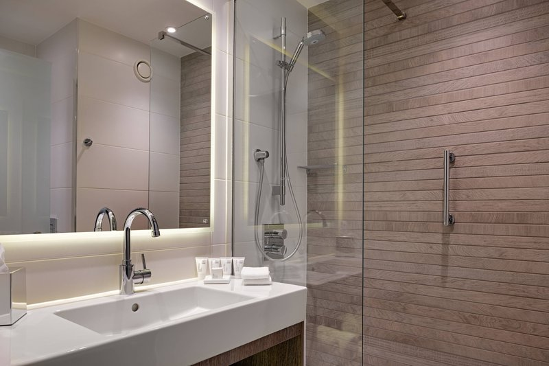 AC Hotel by Marriott Manchester City Centre-Comfort Guest Room - Bathroom<br/>Image from Leonardo