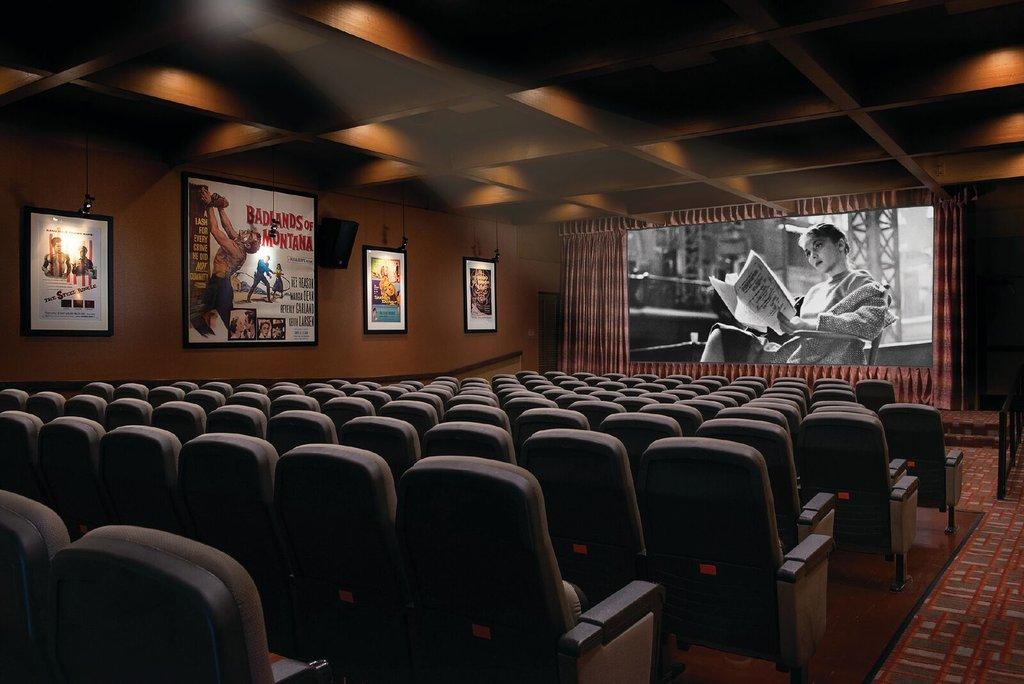The Garland (Beverly Garland) - Beverly Garland Theatre <br/>Image from Leonardo
