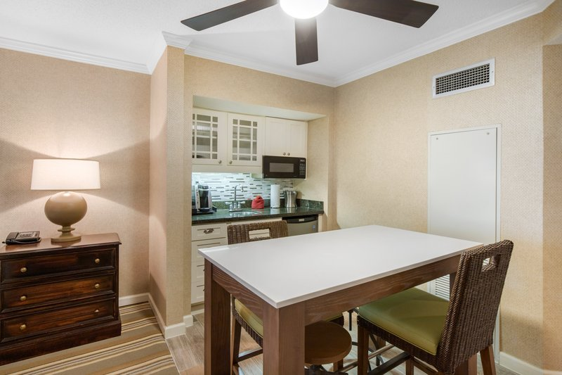 Omni Hilton Head Oceanfront Resort-Courtyard View Studio Suite King<br/>Image from Leonardo