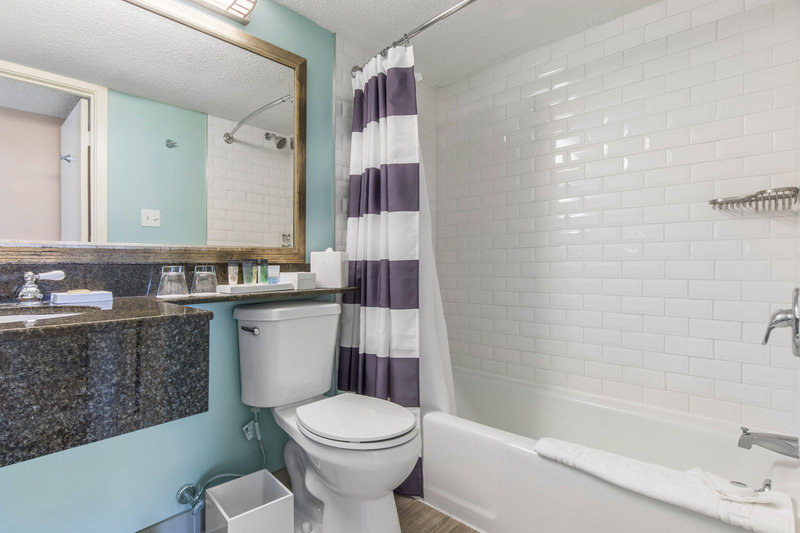 Omni Hilton Head Oceanfront Resort-Luxury Suite Bathroom<br/>Image from Leonardo
