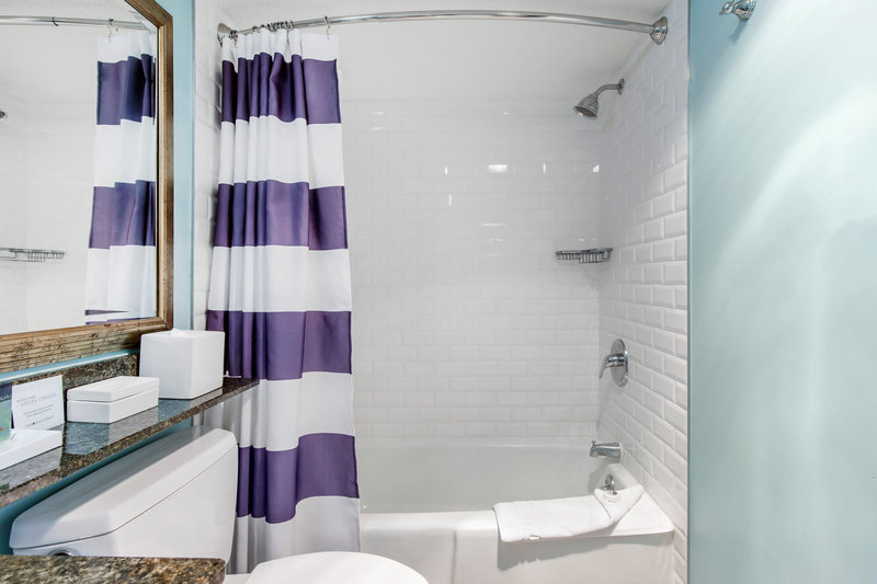 Omni Hilton Head Oceanfront Resort-Luxury Oceanfront Suite King Bathroom<br/>Image from Leonardo