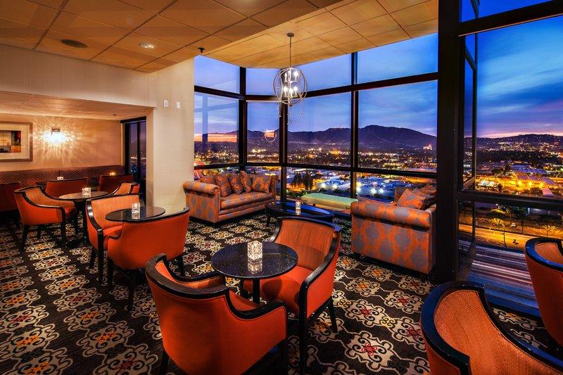 Holiday Inn Burbank - Media Center-18th Floor Crystal View Lounge <br/>Image from Leonardo