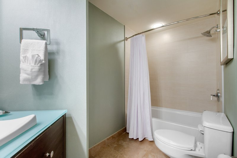 Omni Corpus Christi Hotel-Bay View Suite Bathroom<br/>Image from Leonardo