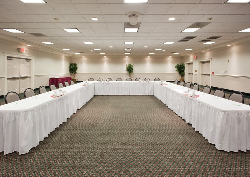 Holiday Inn Redding-Meeting Room<br/>Image from Leonardo