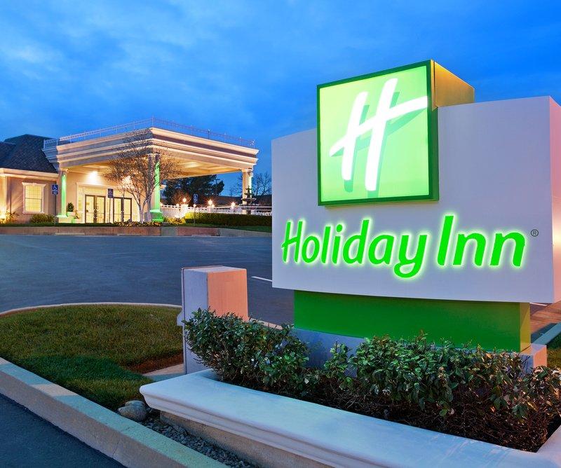Holiday Inn Redding-Holiday Inn Hotel - Redding, CA - Hotel Exterior<br/>Image from Leonardo