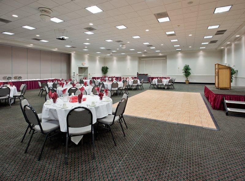 Holiday Inn Redding-Ballroom<br/>Image from Leonardo