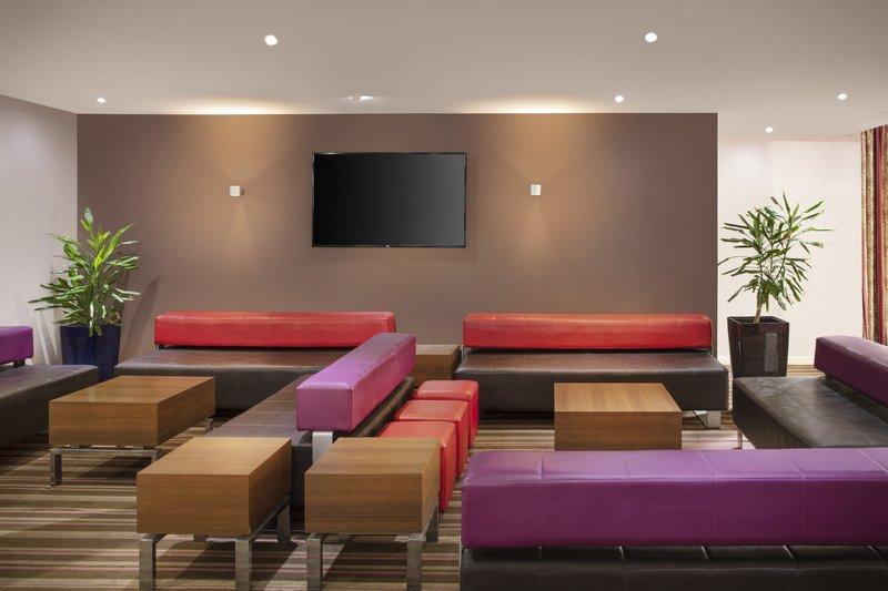 Holiday Inn Express Poole-Hotel Lobby<br/>Image from Leonardo