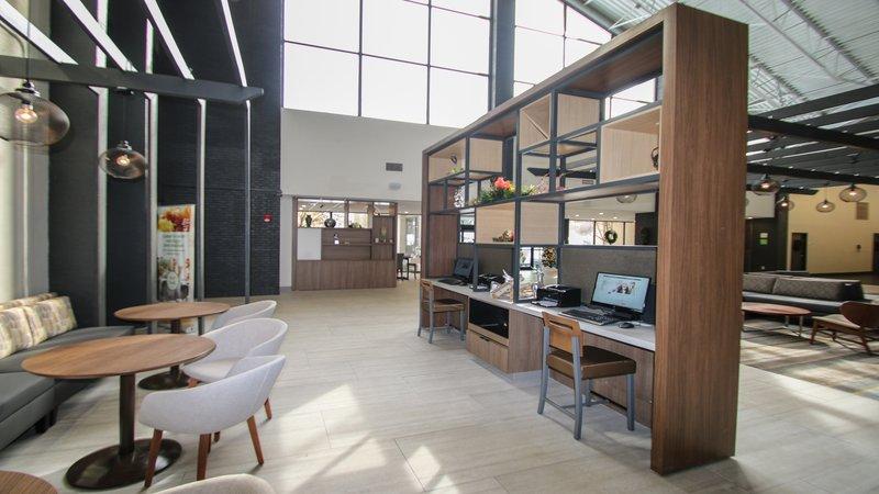 Holiday Inn Roanoke - Valley View-Work in our media center<br/>Image from Leonardo