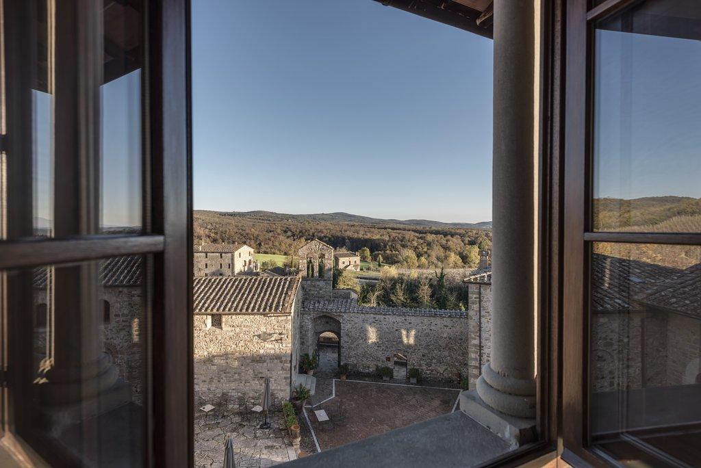 Castel Monastero-JSUPiazza<br/>Image from Leonardo