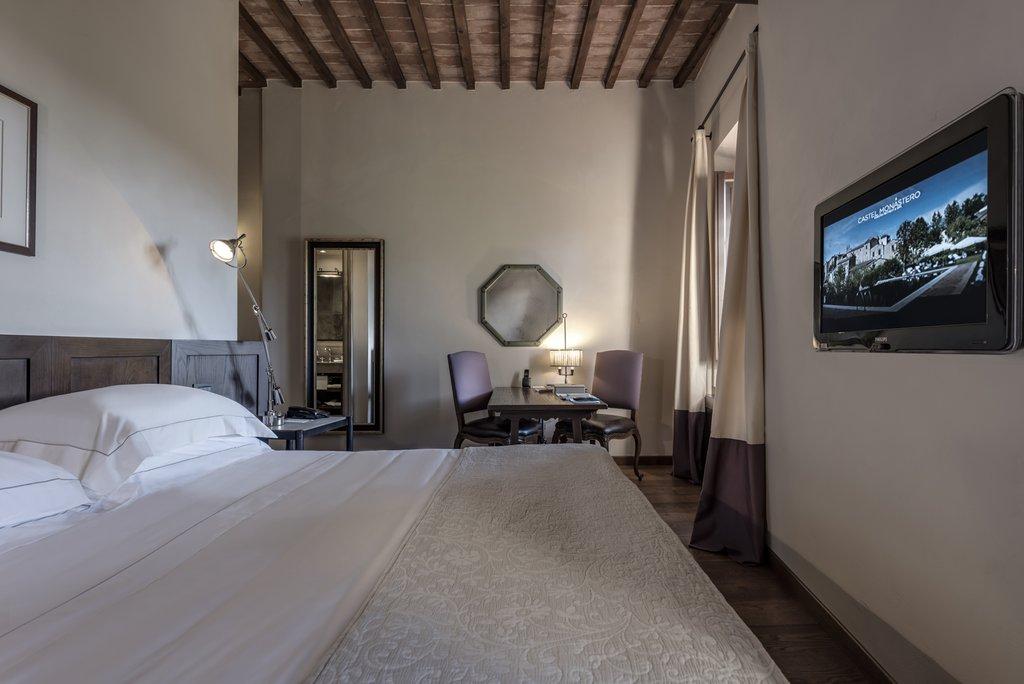 Castel Monastero-Superior<br/>Image from Leonardo