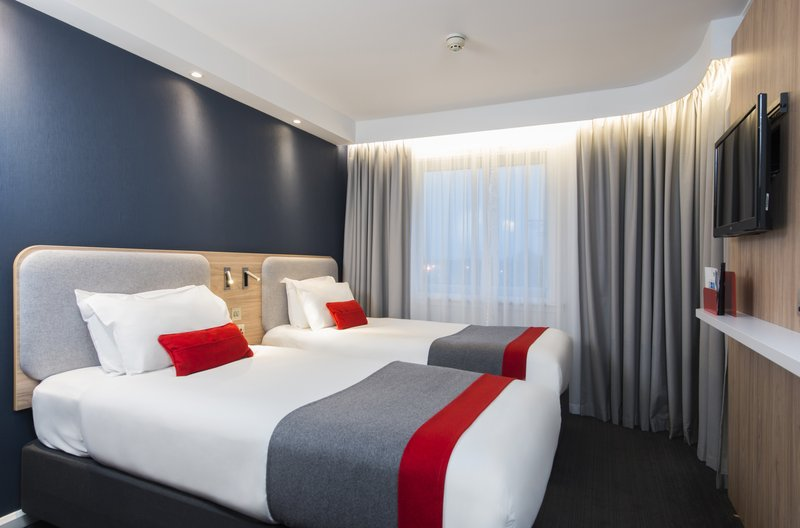 Holiday Inn Express London - Dartford-Unwind in your home from home bedroom after a busy day<br/>Image from Leonardo