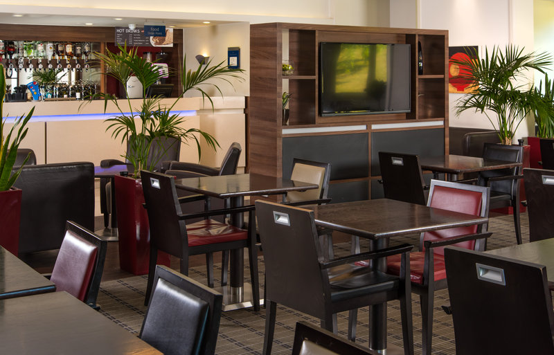 Holiday Inn Express London - Dartford-Relax in our homely lounge with a speciality tea or coffee<br/>Image from Leonardo
