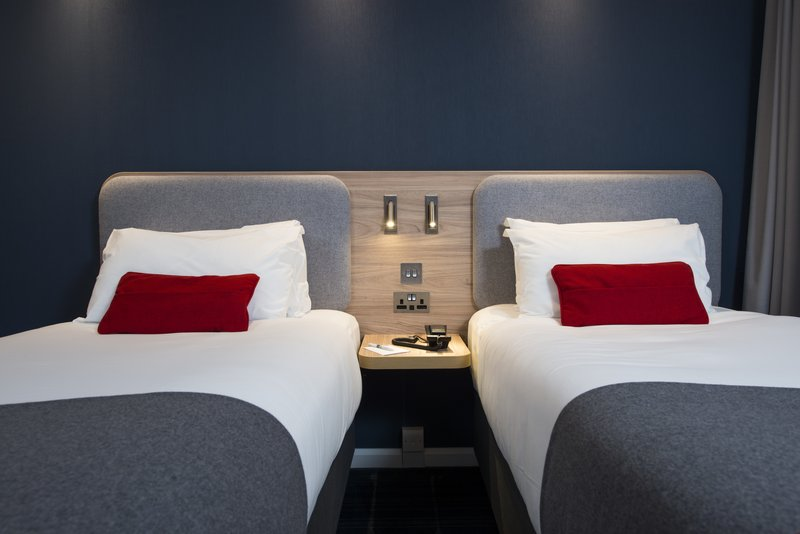 Holiday Inn Express London - Dartford-Customise your bed with a choice of soft and firm pillows<br/>Image from Leonardo