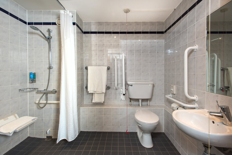 Holiday Inn Express London - Dartford-Our accessible en-suites are wheelchair friendly<br/>Image from Leonardo