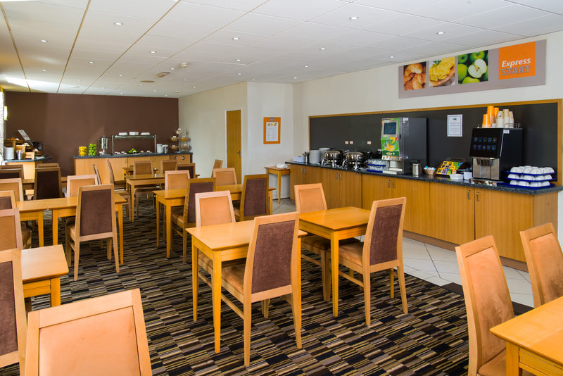 Holiday Inn Express Swansea - East-Gather round with the family for breaky<br/>Image from Leonardo