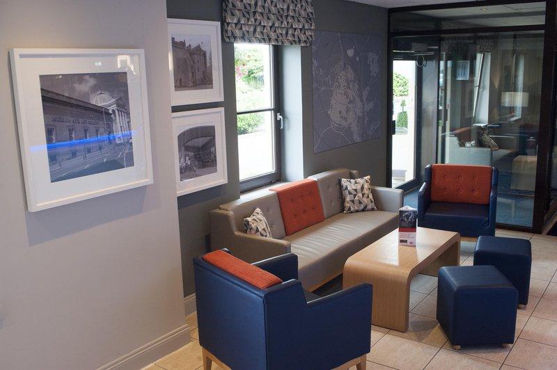 Holiday Inn Express Perth-Hotel Lobby<br/>Image from Leonardo