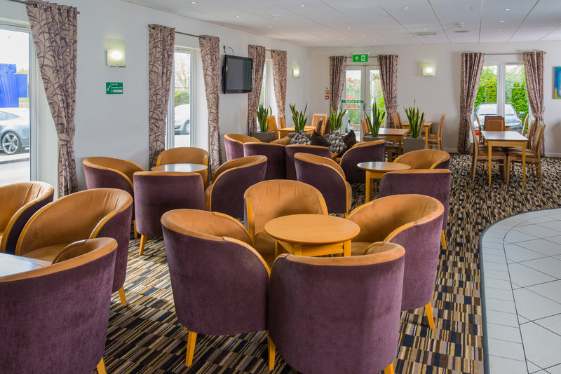 Holiday Inn Express Swansea - East-Catch up with friends in our modern Great Room<br/>Image from Leonardo
