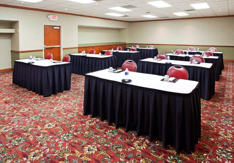 Holiday Inn Hotel & Suites Cincinnati-Eastgate (I-275e)-Classroom style is perfect for your next meeting.<br/>Image from Leonardo