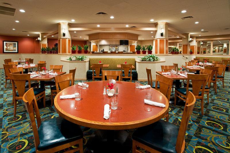 Holiday Inn Hotel & Suites Cincinnati-Eastgate (I-275e)-McKenna's Restaurant & Lounge<br/>Image from Leonardo