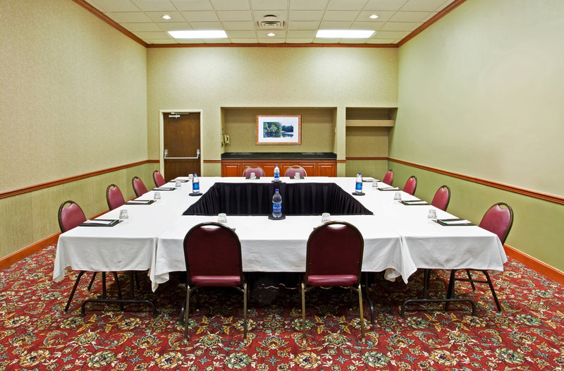 Holiday Inn Hotel & Suites Cincinnati-Eastgate (I-275e)-Host your Conference in one of our fully-equipped Meeting Rooms.<br/>Image from Leonardo