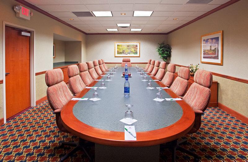Holiday Inn Hotel & Suites Cincinnati-Eastgate (I-275e)-Executive Boardroom<br/>Image from Leonardo